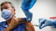 AB, Amerika ve Alman aşılarının korkunç yan etkilerini tartışıyor