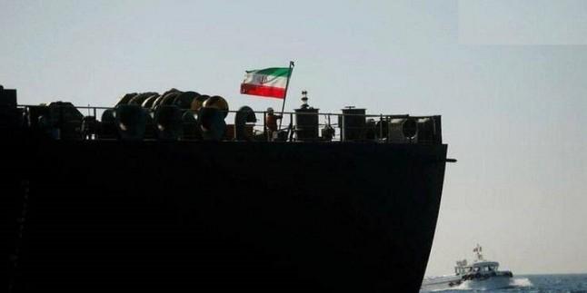 İran petrol gemisi Suriye'nin Banyas Limanı'na ulaştı
