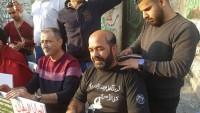 Esirlere Destek İçin Beytlahim'de Filistinli Aktivistler Saçlarını Kestirdi
