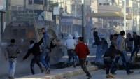 Siyonist İsrail rejimi askerleri  17 Filistinliyi hedef alarak yaraladılar