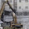Siyonistler Filistinlilerin yüzlerce evini yıktı
