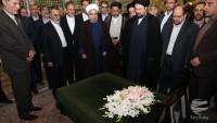 Ruhani: Hükümetin iradesi rahmetli İmam Humeyni'nin yolunun takip edilmesi yönündedir