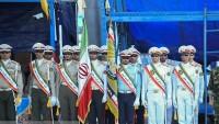 Mukaddes Müdafaa Haftası İran'da askeri geçit törenleriyle kutlanıyor