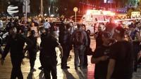 Filistin'li Genç Telaviv'de 4 siyonist'i bıçaklayarak  yaralandı