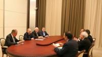 Cevad Zarif: Putin İran'la ilişkilerin geliştirilmesinden yana