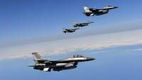 Amerikan koalisyon güçlerinden Suriye ordusu konvoyuna saldırı