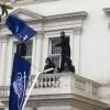 İngiltere'de İran büyükelçiliğine saldıranlar tutuklandı