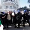Cezayir'de düzenlenen gösteride onlarca polis ve gösterici yaralandı