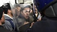 Cezayir'de Buteflika karşıtı gösteride 195 kişi tutuklandı