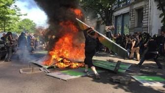 Fransız polisi 64 göstericiyi gözaltına aldı