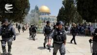 Siyonist Yahudiler Mescid-i Aksa'ya saldırdı: 45 Filistinli yaralı