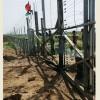 Filistinli Gençler Han Yunus'un Doğusunda İsrail Güçlerine Ait Askeri Kapıyı Yıktı 