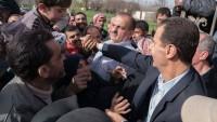 Beşşar Esad Doğu Guta'da Terörden Kurtarılan Vatandaşlarla Bir Araya Geldi
