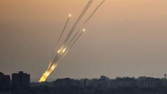 """""""Siyonistler Direniş Füzeleriyle Kavruluyor"""" Gazze Direnişi Siyonist İsrail'in Askalan, Kiryad Gad, Kiryad Melahi Ve Eşkul Kasabalarını Grad Füzeleriyle Vurdu"""