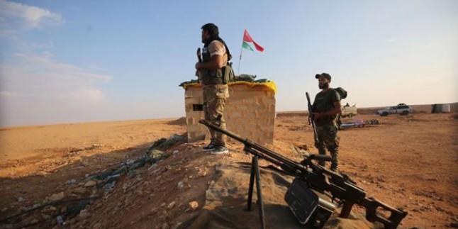 Haşdi Şabi Mücahidleri IŞİD Teröristlerinin Suriye'deki Mevzilerini Topçu Saldırılarıyla Hedef Aldı