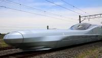 Japonya saatte 360 km hız yapan trenini görücüye çıkardı