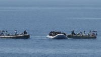 Libya açıklarında 237 kaçak göçmen kurtarıldı