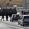Nablus kentinin güneyindeki Zatera kontrol noktasından geçmekte olan Filistinli bir genç İsrail güçlerinin açtığı ateş sonucu yaralandı