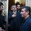 Ahmedinecad bir dönem kendisinin de korumalığını yapan şehid olan Abdullah Bageri'nin ailesini ziyaret etti