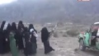 Video: Şehit Oğlunu Karşılayan Yemenli Ana: Bizi Şehadetle Şereflendiren Allah'a Hamd olsun!…