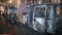 İstanbul'da araçlar kundaklandı
