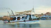 Tunus, Mısırlı balıkçı teknesini alıkoydu