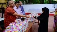 Bangladeşli Budistlerden Müslümanlara iftar