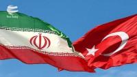 İran ve Türkiye sınırları bölgede barışın simgesidir