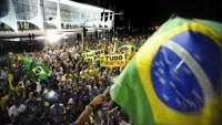 Brezilya Halkı Sokaklarda