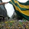 Brezilya'da on binlerce gösterici yolsuzluk soruşturmasına destek verdi