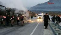 Çorum'da yolcu otobüsü TIR'a çarptı: Çok sayıda ölü ve yaralı var