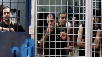 Bir milyon Filistinli, Katil İsrail'in Elinde Esir