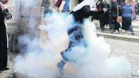 İşgalci İsrail polisi Mescid-i Aksa'ya saldırdı
