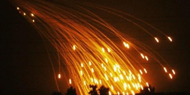 Katil Amerika koalisyonu Suriye'de beyaz fosforla Deyr ez-zor'a Saldırdı
