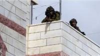 Siyonist İsrail Güçleri Filistinli Vatandaşın Evini Askeri Kışlaya Dönüştürdü