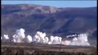 Video: Suriye Ordusu, teröristlerin mevkilerini füze yağmuruna tutuyor