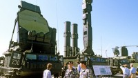Rusya, Mısır'a füze savunma sistemi satacak