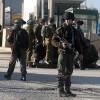 Siyonist İsrail askerleri 12 Filistinliyi gözaltına aldı