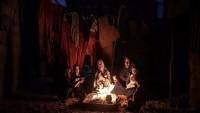 Siyonist İsrail, Gazze'nin elektriğini 8 megavat daha kıstı