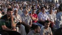 On Binlerce Filistinli Bayram Namazını Dönüş Çadırlarında Kıldı