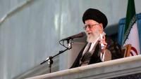 İmam Seyyid Ali Hamaney: İmam Humeyni'nin mektebinin, yolunun büyük bir dikkatle korunması ve yolunun sürdürülmesi gerek