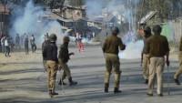 Hint Polisi Keşmirli Müslümanlara Ateş Açtı