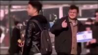 Video: İstanbul'da, bir grup genç toplumsal bir deney yapıyorlar, son saniyelere dikkat!