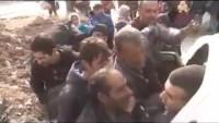 Video: Suriye Ordusu Tarafından Kurtarılan Yüzbinlerce Halepli Güvenli Bölgelere Naklediliyor