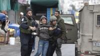 İşgal Güçleri Batı Yaka'da Düzenlediği Baskınlarda 8 Filistinliyi Gözaltına Aldı