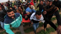 Katil İsrail Askeri Kameraların Önünde Gazeteciyi Vurdu