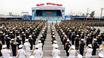 Bugün İran'da Ordu Günü etkinlikleri düzenlendi