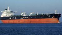 İran'ın yaptırımlar kaldırıldıktan sonra satmak üzere denizde 40 milyon varil petrol depoladığı iddia edildi