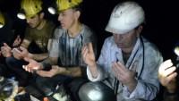 Maden İşçileri, İlk sahuru yerin metrelerce altında yaptılar