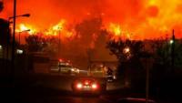 Foto: Binlerce Siyonist Alevlerin Arasında Kaldı